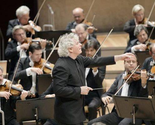 Simon Rattle und die Berliner Philharmoniker Foto: Monika Rittershaus